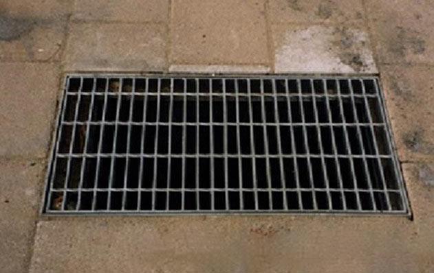 大于6毫米的下水道孔洞缝隙老鼠能轻松穿入