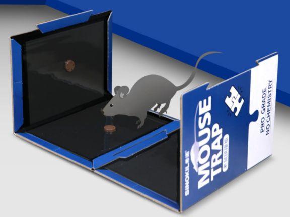 拼接起来的粘鼠板